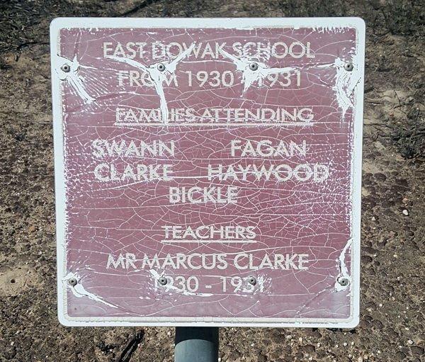 East_dowak_school_sign