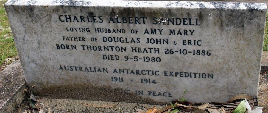 C.A.Sandell Grave