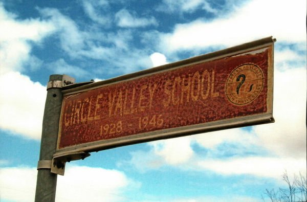 circle_valley_school_sign