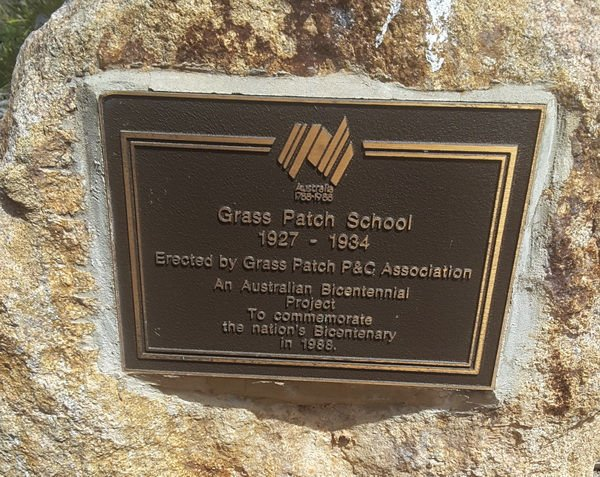 grass_patch_school_monument
