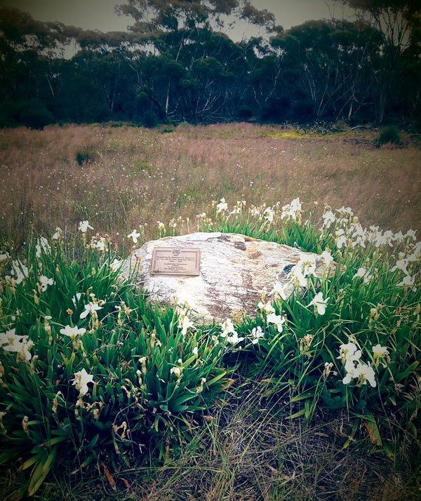 Mallee School Trail - west_scadden_school_monument